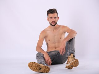 JonathanRuiz ass